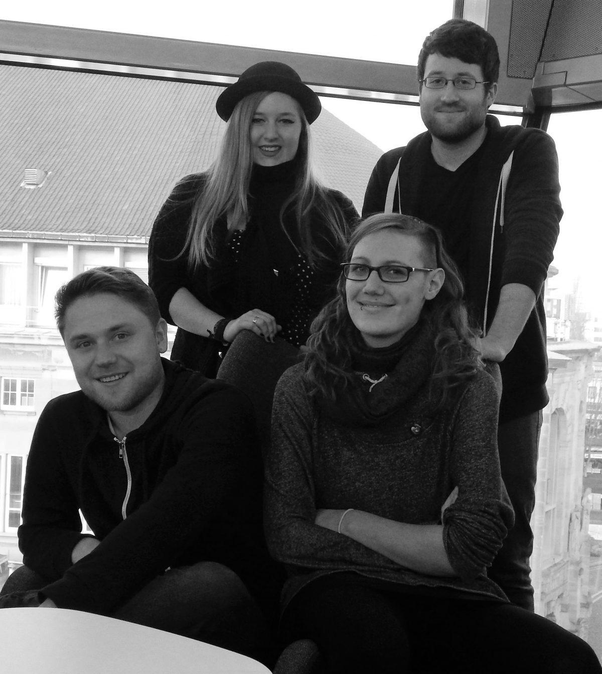 Euer AstA-Vorstand: Sina und Dominik (hinten), Leon und Marleen (vorne)
